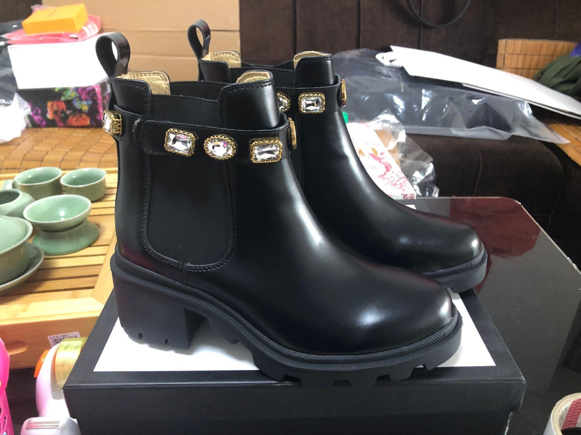 Diseñadores Martin Boots Black Color Boots Boots Diseñadores Mujeres Botines Hatetas Calidad Invierno Botines antideslizantes