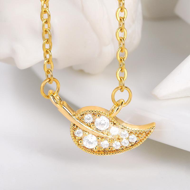 Collares colgantes Boho Lucky Tree Hoja para las mujeres Crystal Zircon Jewelry Acero inoxidable Collar simple Collares MUJER MOM REGALOS 2021