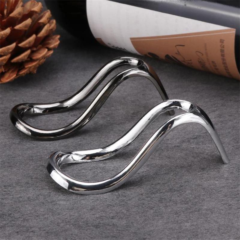 Nuova portata in acciaio inox, accessori per sigarette, artigianato in metallo in lega, cremagliera creativa con tacco alto, portasigarette