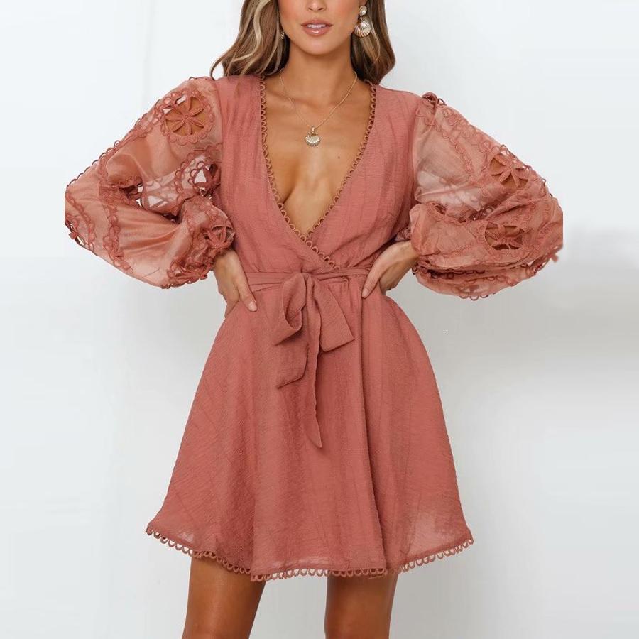 2021 Neue Mini für Frauen Sexy Tief V-Ausschnitt Langarm Vintage Kleid Blumenstickerei Gypsy Kleider Vestidos WJPT