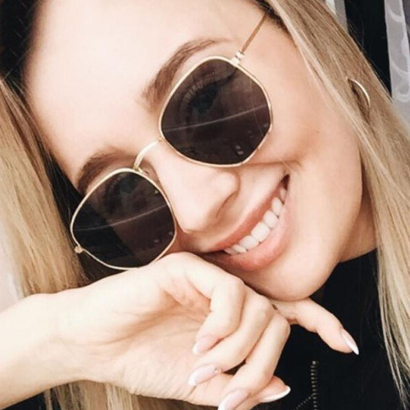 Lunettes de soleil classique petit cadre rond femmes / hommes 2021 marque de marque alliage miroir lunettes de soleil vintage modis oculos