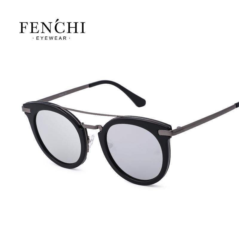 2021 New Lady's PC Lens Sunshade Tendencia de moda Marco completo Gafas de sol