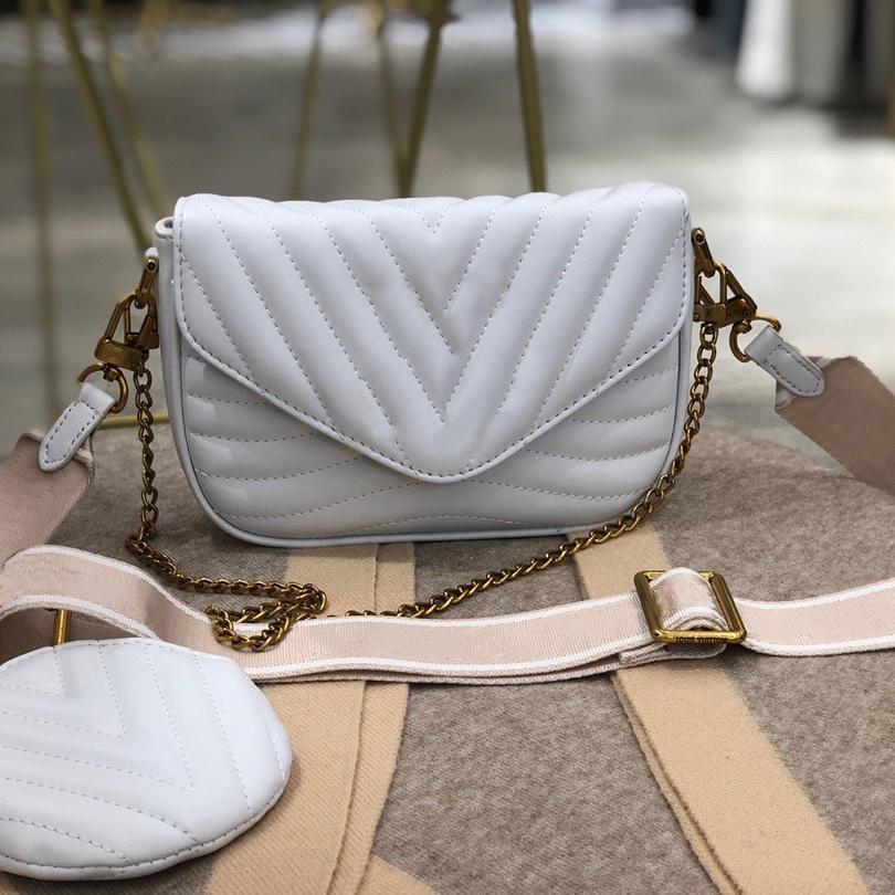 Nouvelle vague cuir matelassé Multi Pochette Femmes Mode 3 Dans une branche-courante avec sac à monnaie ronde Bandes à bandoulière Chaîne en métal doré comme sac à bandoulière
