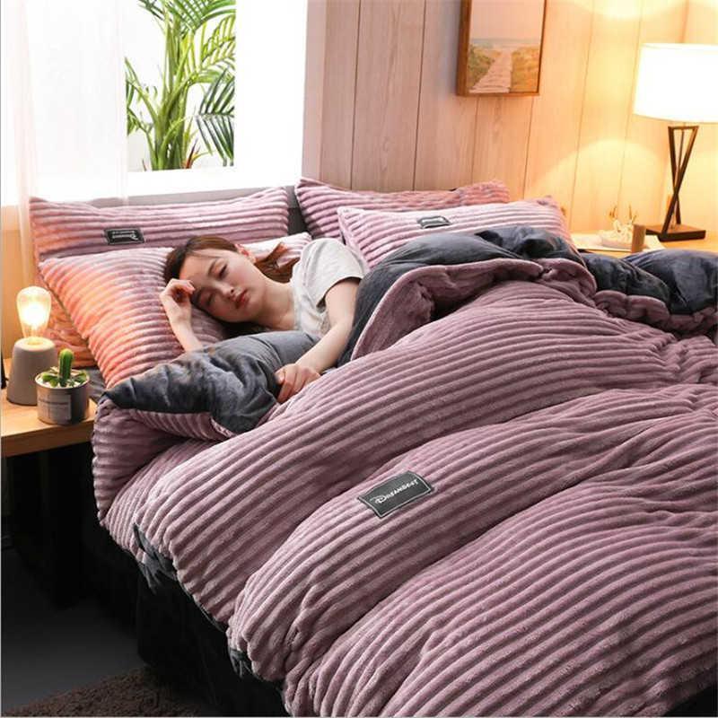 Conjuntos de roupa de cama de luxo Home têxteis tampa lençóis lençóis Rei Rei Flannel Comforter Red Duvet Capa de Coral Fleece Devet Sets T200822
