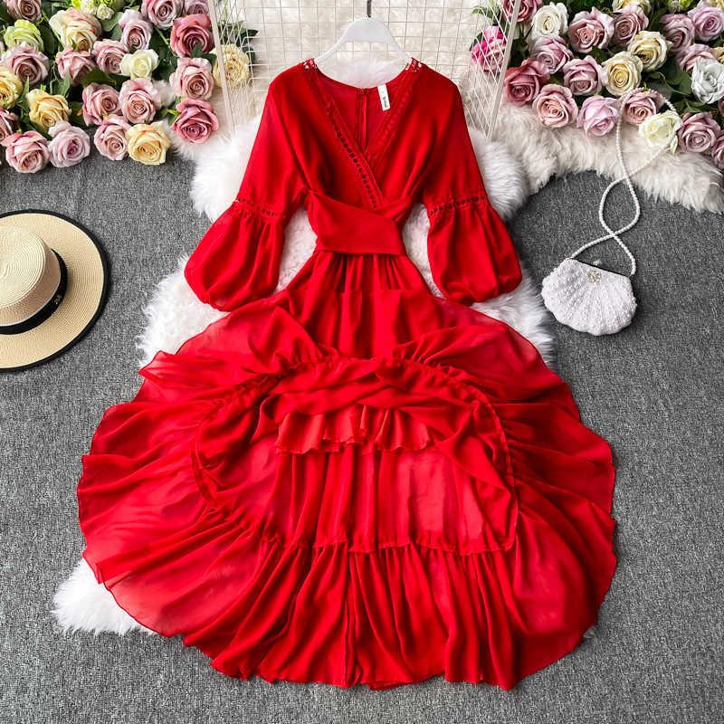 Lässige Frauen Aushöhlen Midi Kleid Sexy V-Ausschnitt Langarm Große Schwing Rüschen Slim Red Beach Kleider Weibliche Mode Vestidos 2020 Y0603