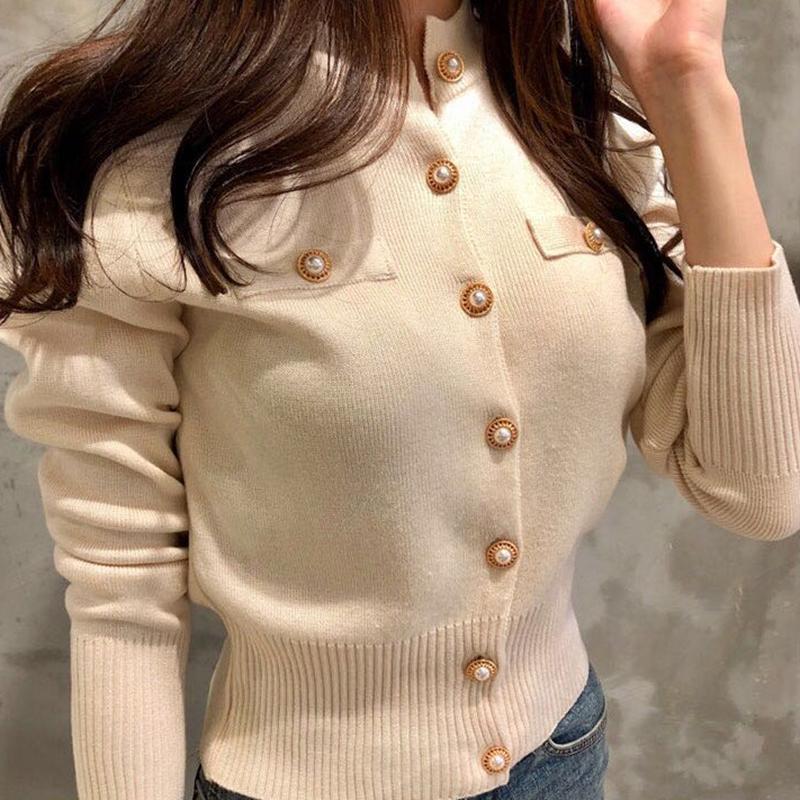 Puntos de mujer Cardigan blanco Chaqueta de botón 2021 Otoño Invierno Moda elegante Ladies Tops salvajes Sujetadores negros Capa