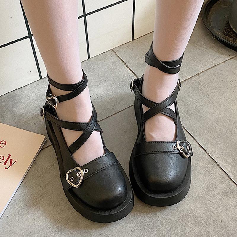 Lolita ayakkabı çapraz bağlı platform ayakkabı kalp şeklinde toka rahat ayakkabılar punk kalın taban kız ayak bileği kayışı kadın ayakkabı 8830n