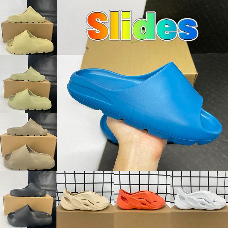 2021 Kutu ile terlik köpük koşucu sandal ayakkabı reçine kemik üçlü siyah beyaz çöl kumu pantoufle erkek kadın moda slaytlar