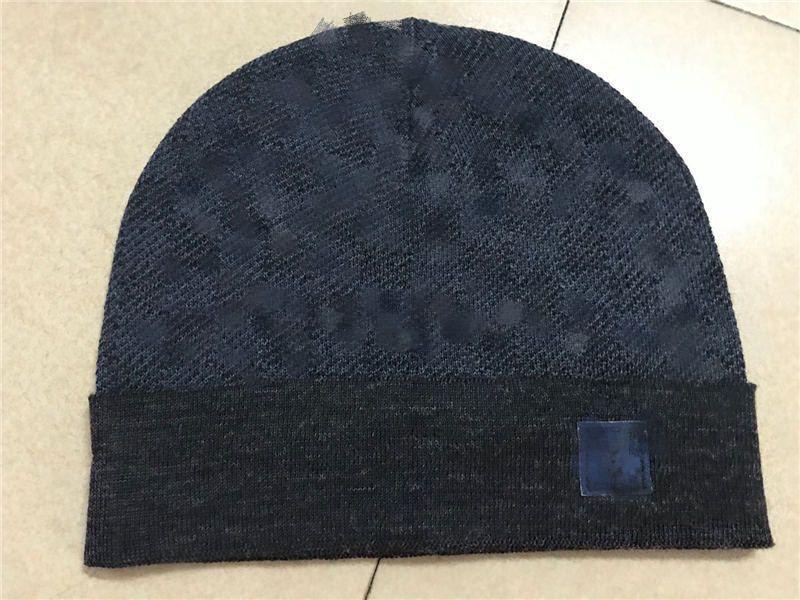 202SS Spedizione gratuita L'ultimo Unisex Winter Men's Beanie Cappello da donna Cappello Cappello Maglia Gorros Sport Sport Skull Maglia all'aperto
