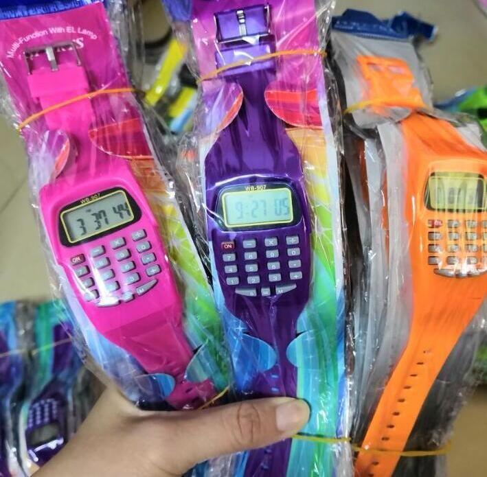 Kid Electronic Digital LED Watch Casual Silicone Deportes Relojes deportivos para niños Niños Calculadora multifunción Reloj de pulsera Reloj