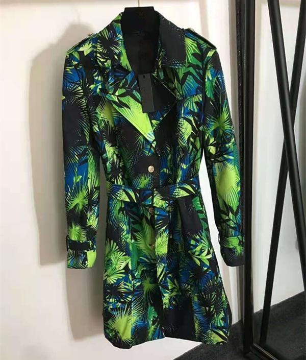 유럽과 미국 여성의 가을 2021 새로운 긴 소매 양복은 잎 인쇄 벨트 패션 트렌치 코트를 가져 왔습니다.