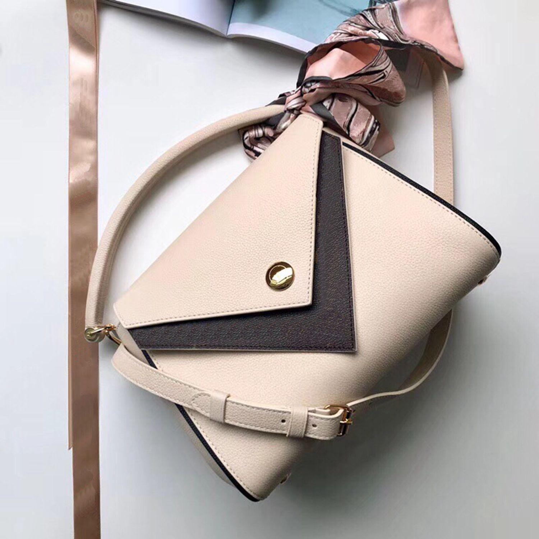 2021 Women Handbags Purses Luxurys Designers Bags Lady Shoulder Bags Senior Crossbody Bag New Fashion Plain Flap Socialite Bag