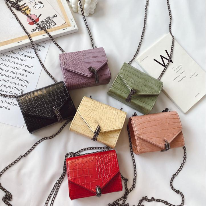 Carta Mini bolsos de mano de un solo hombro A4603 Metal Messenger Bag Niños Piedra Moda Moda Cadena de Cadena Grain Mujer Tassel Girls Bolsos Xsild