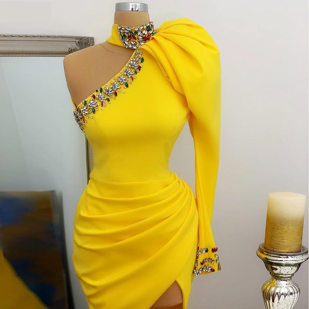 Jaune blanche manches longues satin de cocktail robes de cocktail haut col un épaule cristal fente fête vestidos de gala formelle robe robe de soire