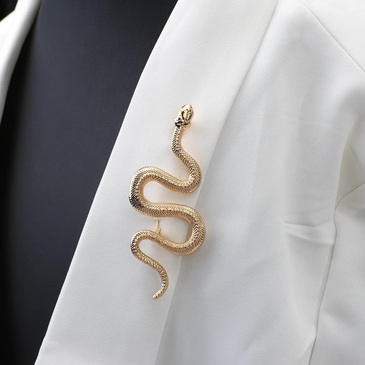 Diseño único Snake Broches Gold Color Mujer Men Lady Luxury Metal Animal Broche Pines Party Casual Jewelry Regalos
