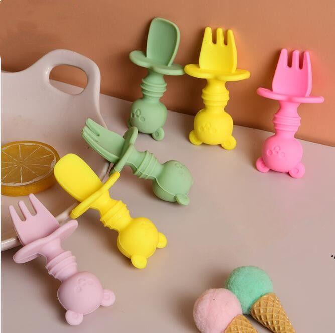 طفل ملعقة وشوكة مجموعة لينة سيليكون نصيحة الدب شكل الطفل تغذية ملعقة الغذاء الصف سيليكون التدريب ملعقة طفل السكاكين dwe4868