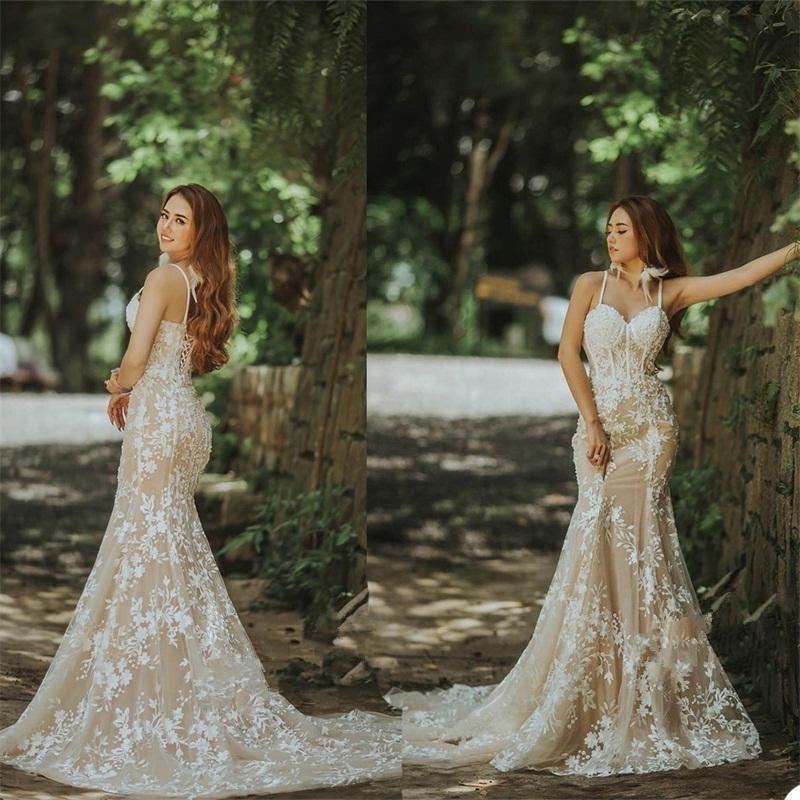 스파게티 Strp Mermaid 웨딩 드레스 샴페인 레이스 Up Appliqued Lace Bridal Gowns Backless Sweep Train Robes De Mariée