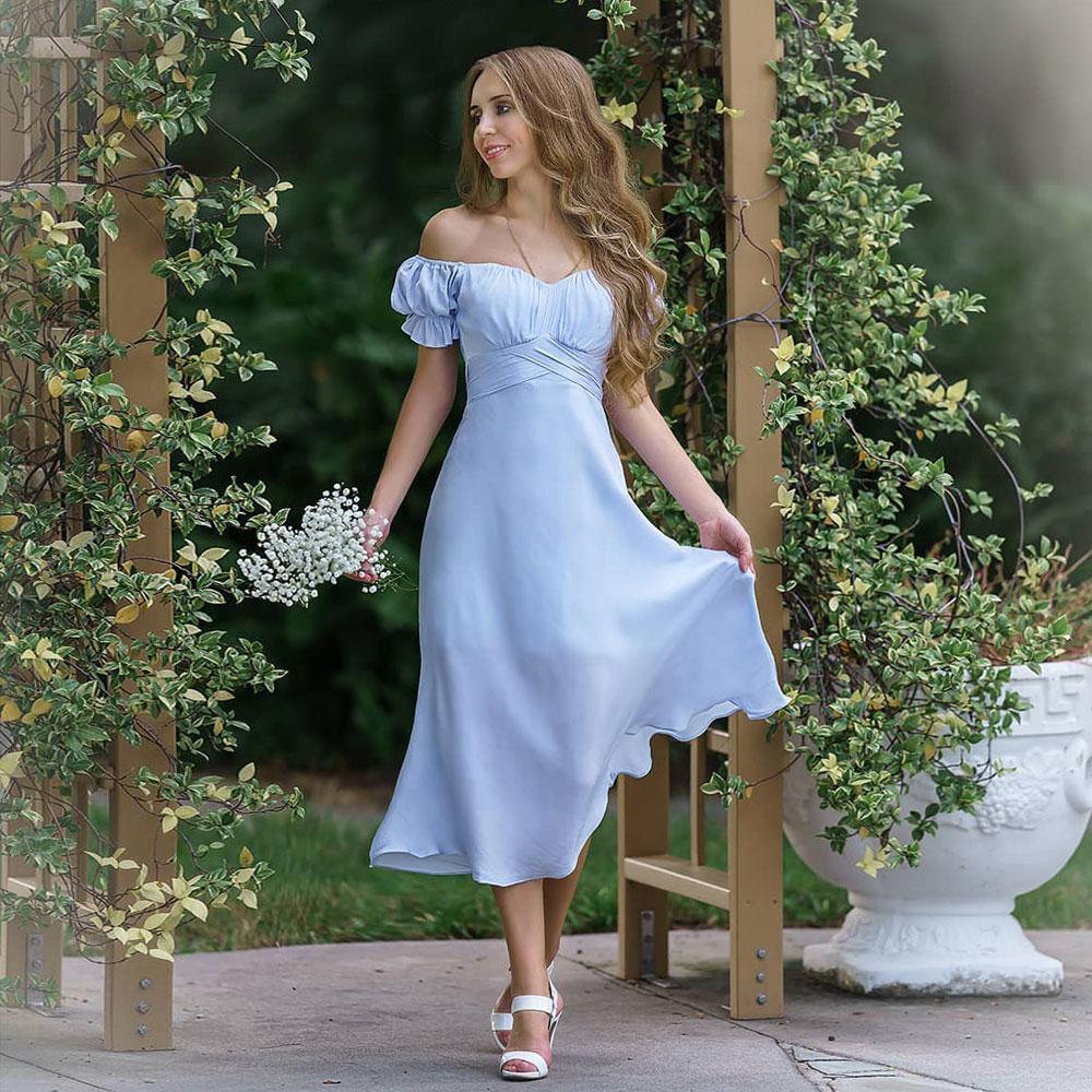 Stilvolle Trompete Land Brautjungfer Kleider aus der Schulterhals Kurzarm Hochzeit Gastkleid Tee Länge Chiffon Mädchenträger von Ehrenkleid