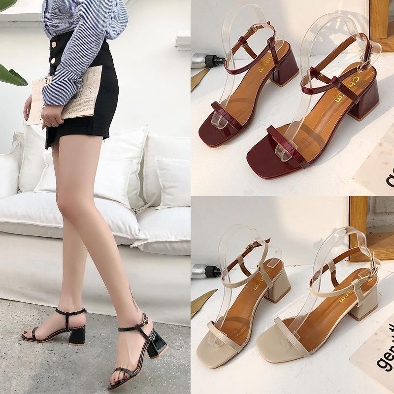 Sandales de mode Confy Femmes 2021 Sandales à pied douces Femmes Femmes Sandalie Sandalie Feminina