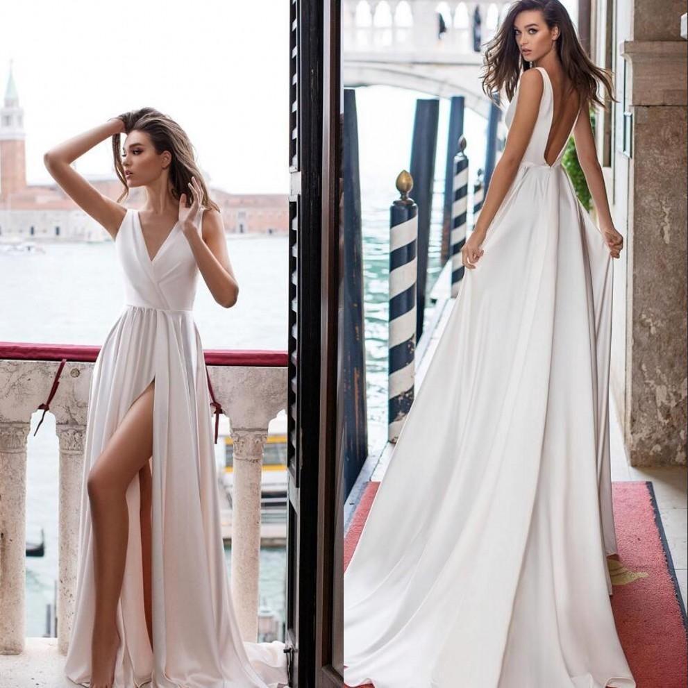 Sexy barato simples uma linha vestidos de noiva profundamente pescoço alto lado lado split vestidos de noiva varrer trem vestido de noiva sem encosto vestido