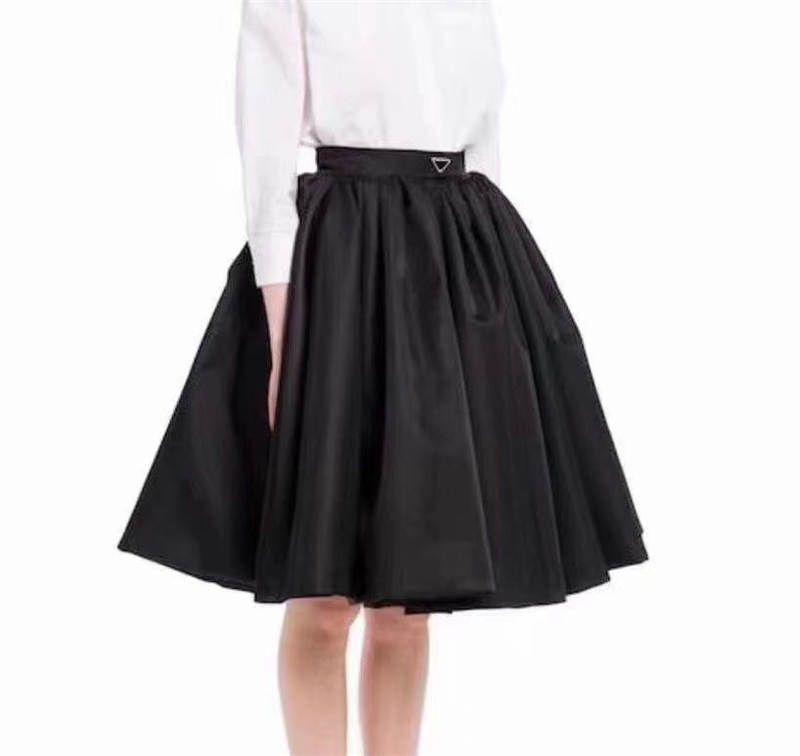 21SS 여성 스커트 활은 봄 가을 outwears에 대 한 스커트와 거꾸로 된 삼각형 일치하는 고품질 아가씨 반 드레스