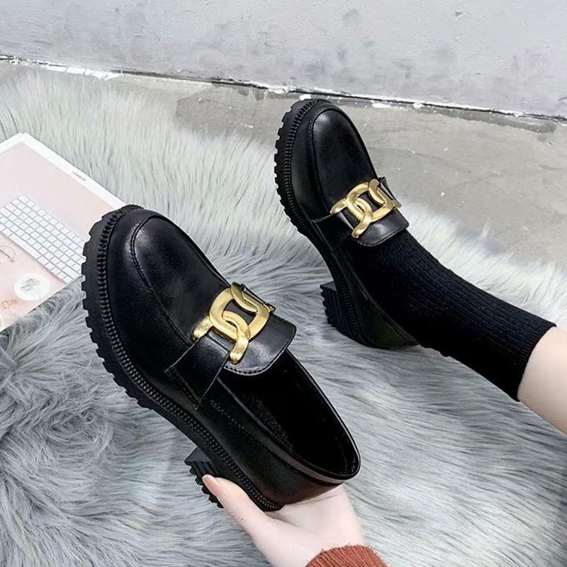 Женщины Классические Черные Оксфорд Обувь 2021 Весна Дамы Металлические Украшения Броги Обувь Мода Черная Кожаная Обувь для Женщин