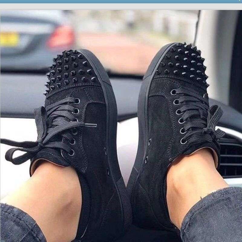 Kutu Moda Düşük Kesim Spike Flats Kırmızı Alt Erkekler ve Kadınlar Için Deri Sneakers Parti Tasarımcısı Ayakkabı Lesliecheung