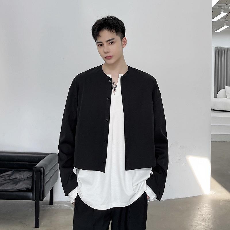 남성 일본 한국 Streetwear 빈티지 블랙 화이트 셔츠 남성 긴 소매 캐주얼 느슨한 짧은 스타일 코트 겉옷 남성용 셔츠