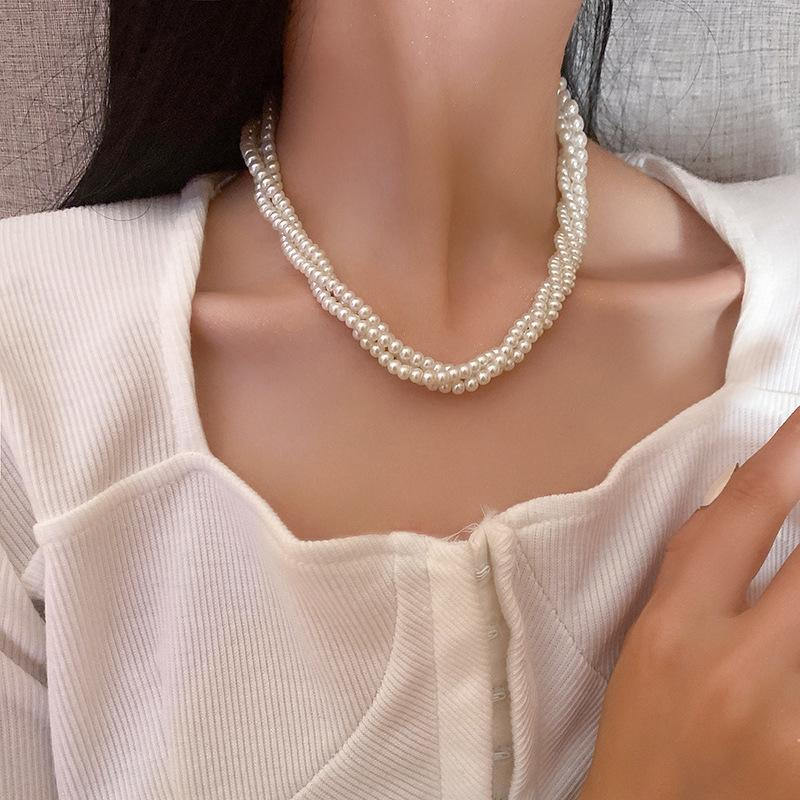 Pendant Necklaces Multi-layered twine ladies fashion simple pearl necklace
