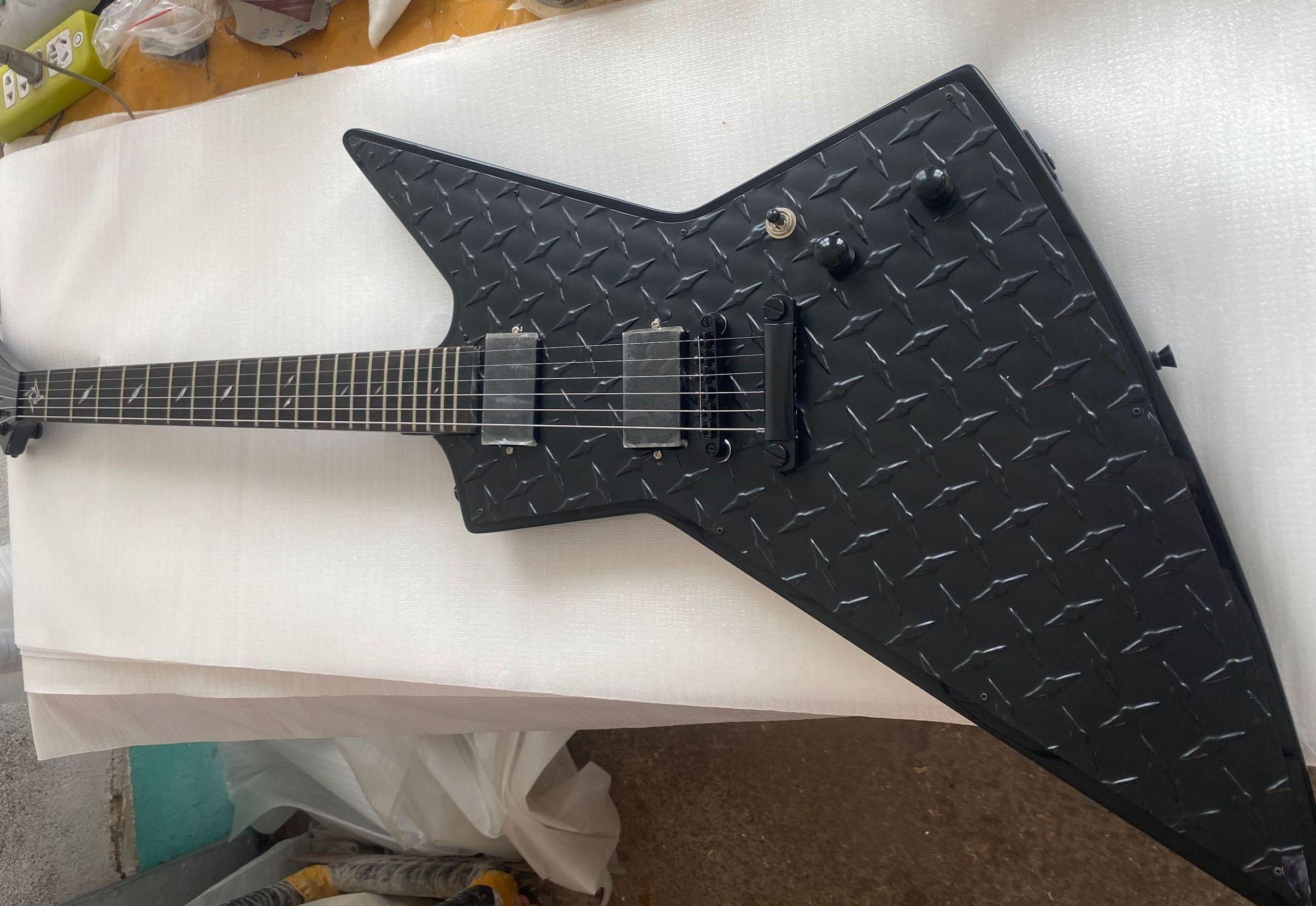MX250 James Hetfield Matte Black Diamond Plate Explorer Guitar Electric Guitar Stars Inlay, China EMG Pickups, Super rare Ax