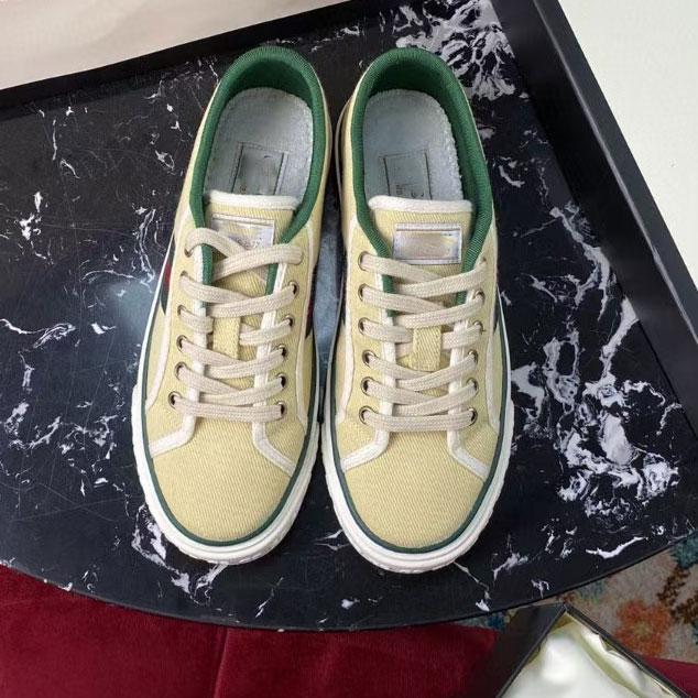 2021 الرجال والنساء مصمم الأحذية عارضة الصفراء جودة عالية قماش لون نمط عادي الأفعى الأرز ace النحل التطريز 36-44