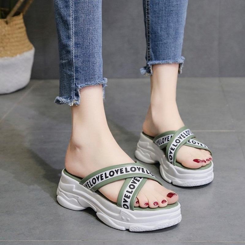 Chinelos Mulheres Chunky Plataforma Designers Casual praia mulher cunha sapatos fora vestido moda feminino sexy slides sandália branca