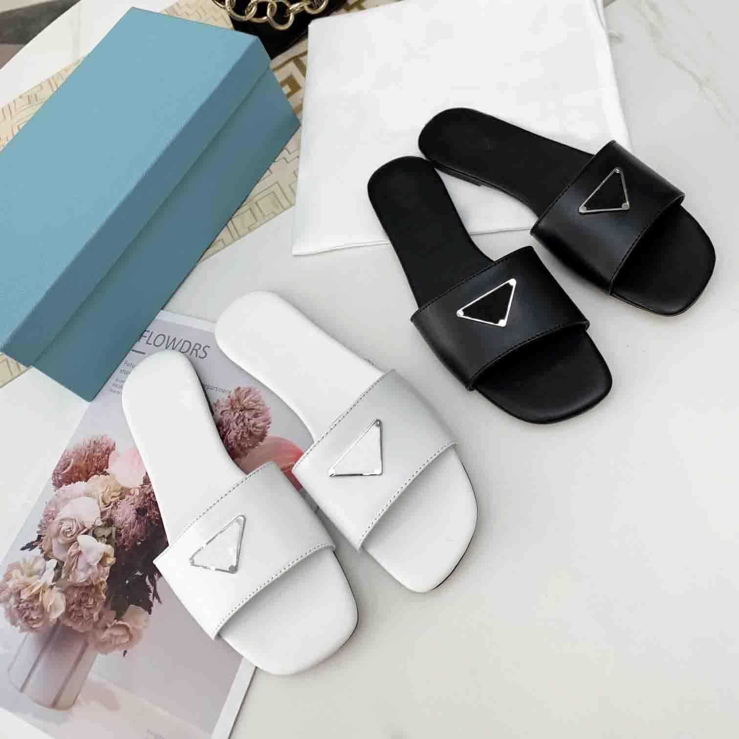 2021 Nuevas sandalias de mujer caliente Flor Animales Sandalias de verano Slide Summer Fashion Wide Flat Slippery Sandals Slipper Flower Box