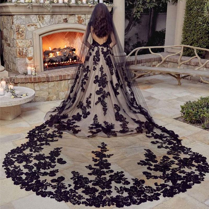 Benzersiz Siyah 3 M Katedral Boncuklu Düğün Veils Dantel Aplike Kenar Yumuşak Tül Bir Katmanlı Uzun Gelin Peçe Tarak Gotik Evlilik
