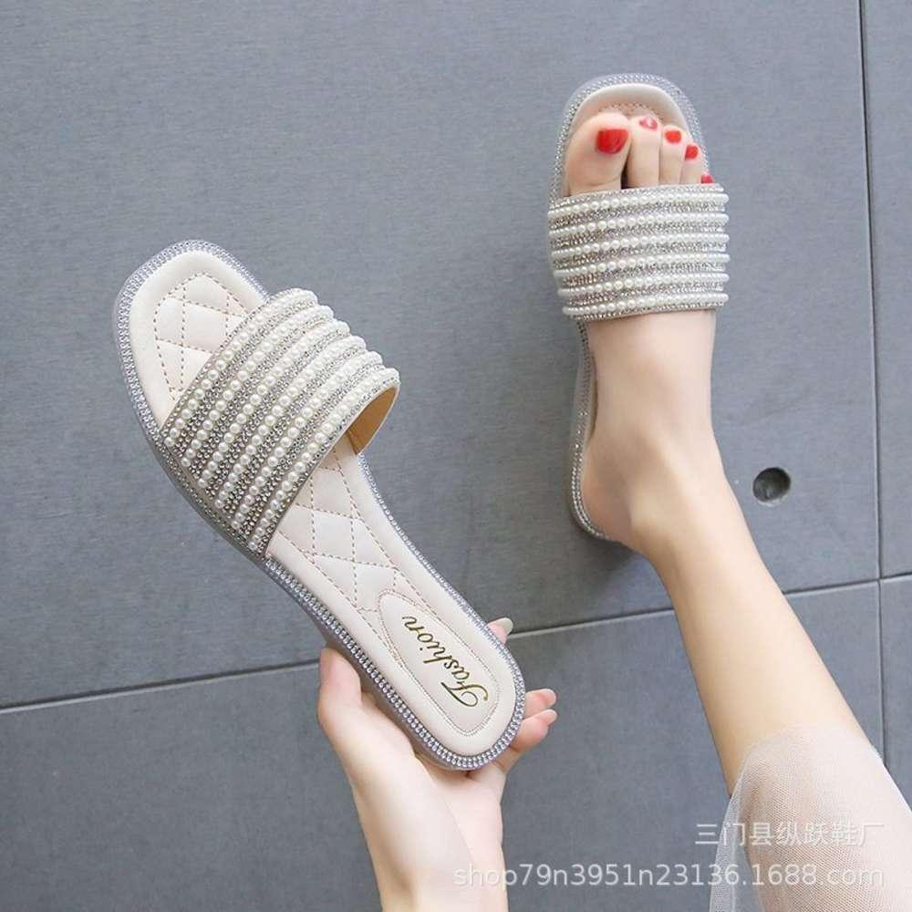 Flip Flopstraight 2021 Moda de verano Zapatos de mujer de gran tamaño al aire libre Sandalias de baño de baño