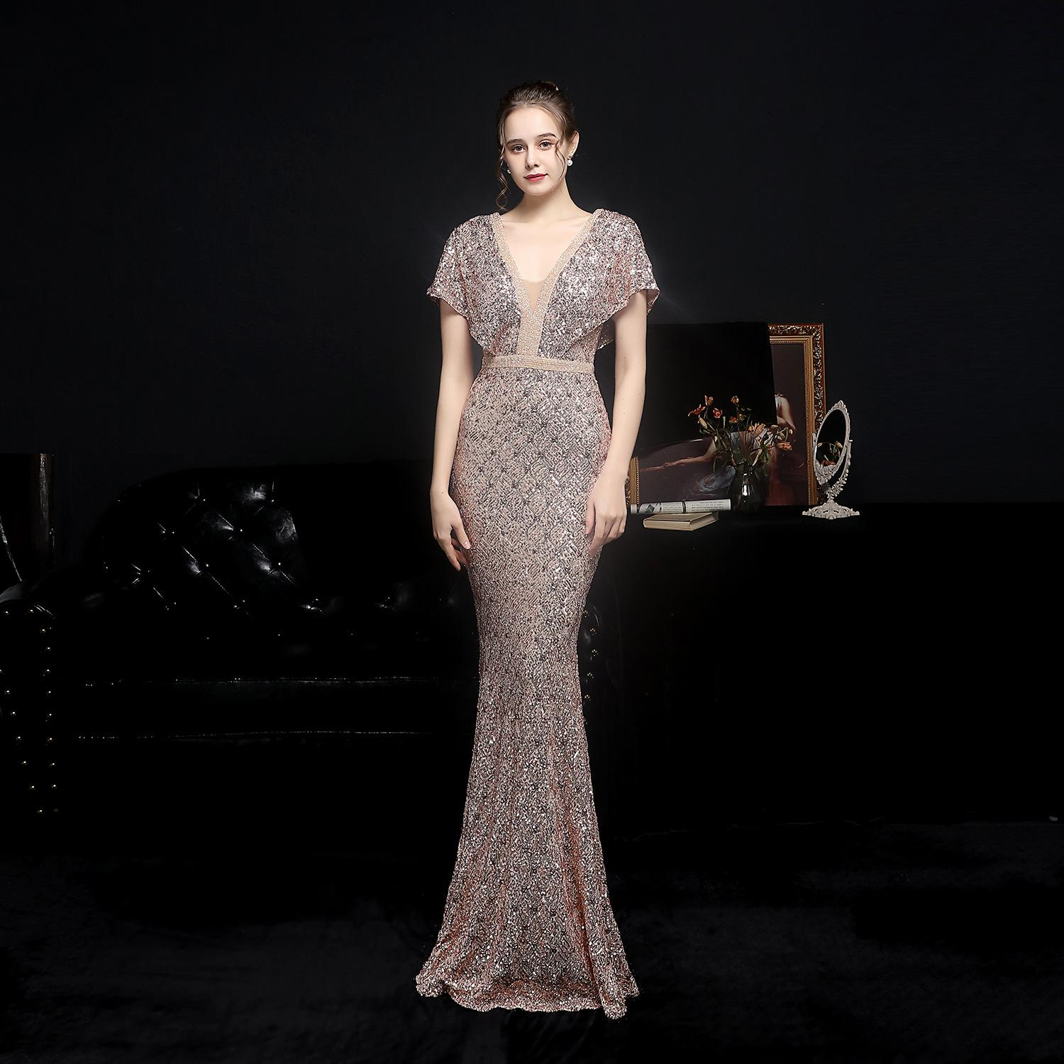 Short Sleeves Sequined Mermaid Bridesmaid Dresses 2021 V Neck Plus Size Backless Maid Of The Honor Gowns Wedding Dress