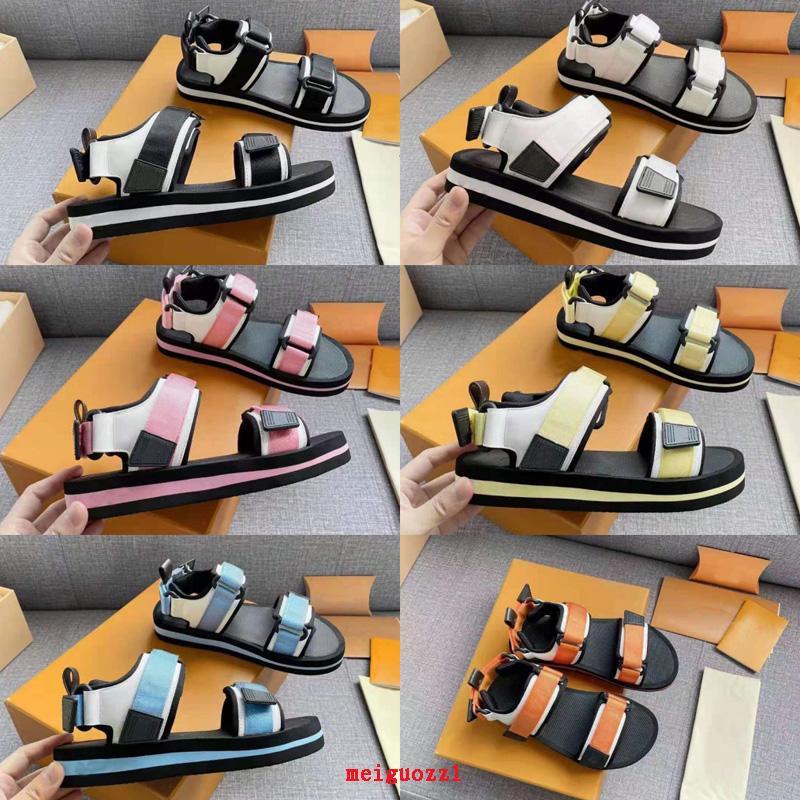 2021 الفاخرة المرأة الصنادل مصمم عارضة الأحذية الصيف في الهواء الطلق شاطئ السيدات العلامة التجارية صندل جودة عالية الفيلكرو منصة الأحذية الممرات عدم الانزلاق أحذية رياضية مسطحة