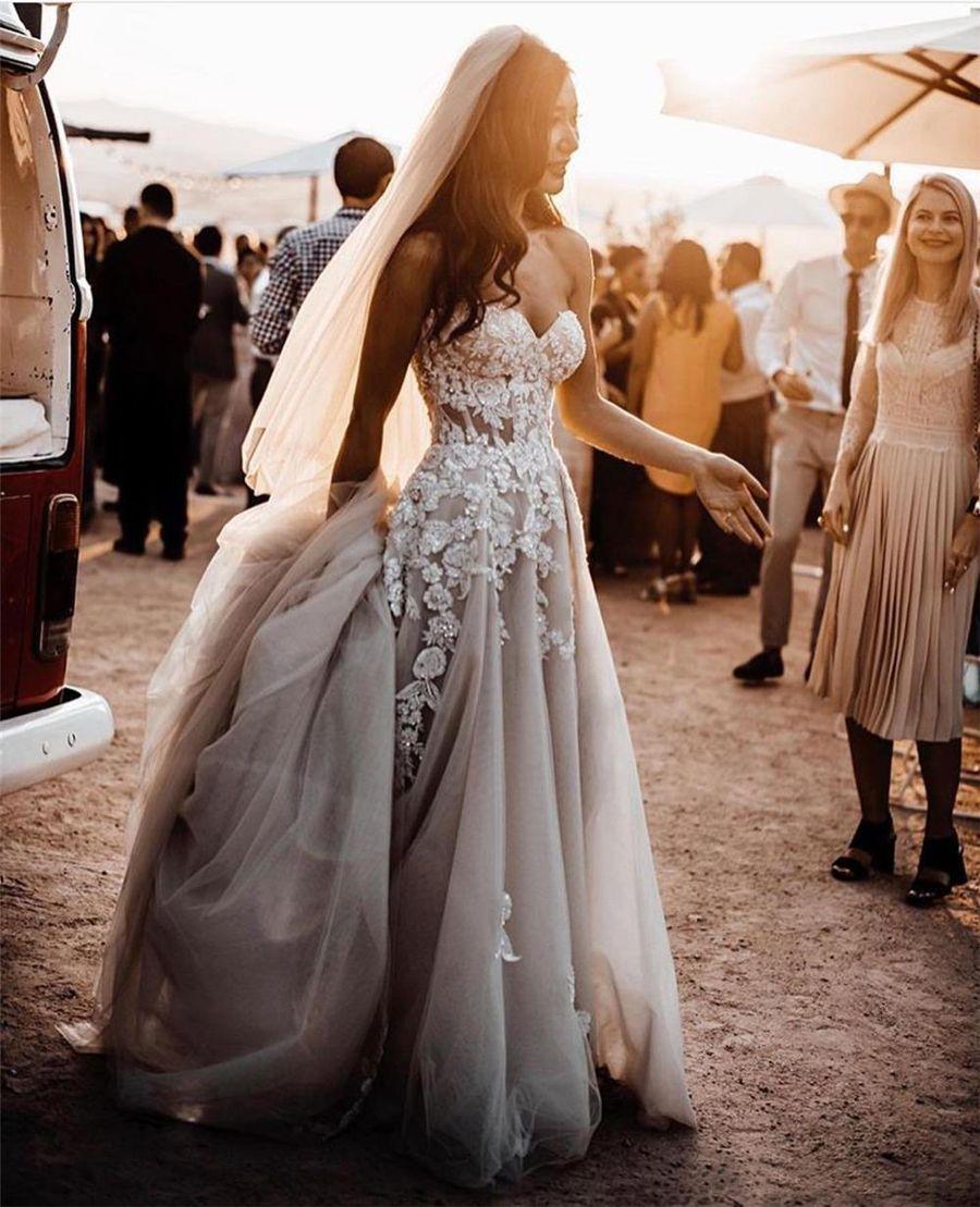 Чистые кружева 3D цветы аппликации свадебные платья boho свадебные платья без бретелек разделить тюль темно серый серебряный пляж кристаллы