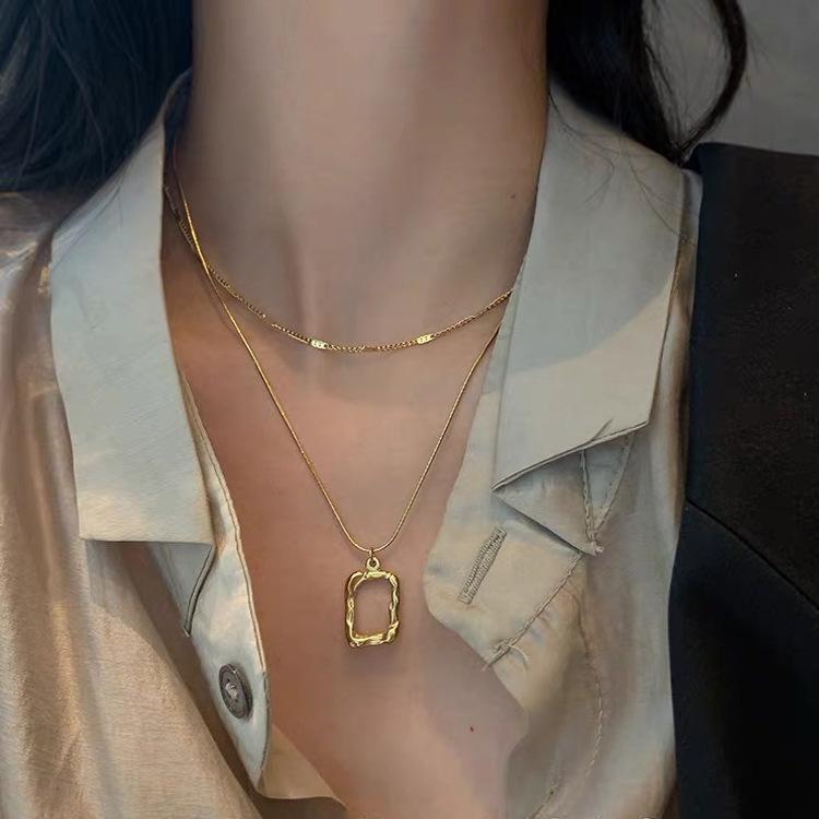 Collares colgantes de lujo Retro Capa Doble Capa Geométrico Femenino Moda Clavícula Cadena Banquete Accesorios de Banquete Joyería nupcial