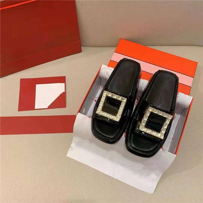 2021 Son Sandalet ve Terlik Bayanlar Lüks Kalite, Aşınmaya Dayanıklı bir ND kaymaz, Klasik Moda Tüm Maç Bahar Yaz serisi, dört renk mevcuttur