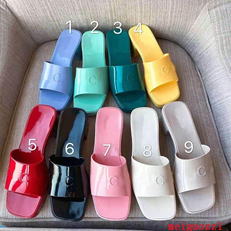 2021 Marka Kadın Terlik En Kaliteli Tasarımcı Lady Sandalet Yaz Moda Jöle Slayt Yüksek Topuk Terlik Lüks Rahat Ayakkabılar Bayan Deri Alfabe Beach Ayakkabı