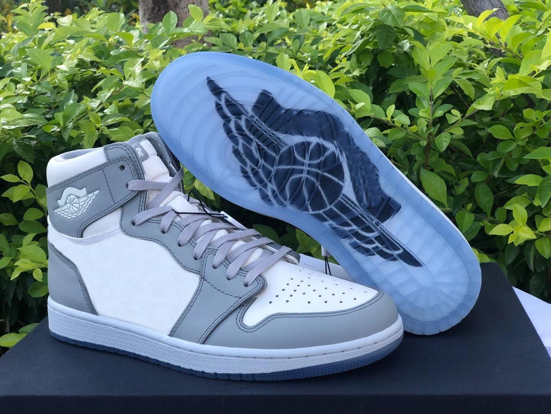 2021 Authentic 1 Hohe OG Outdoor-Schuhe Niedrige Männer Frauen 1s Wolf Grau Segel Photon Staubweiß mit Original Box Bag CN8607-002