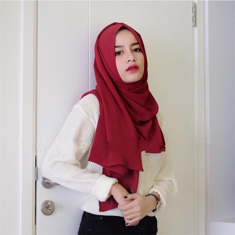 Designer di lusso Satin Chiffon Hijab Sciarpa Donna Musulmana Fashion Crinkle Scialle Big Size Scarpe Donne rughe Turban Bandana 1pc 2233 Q2