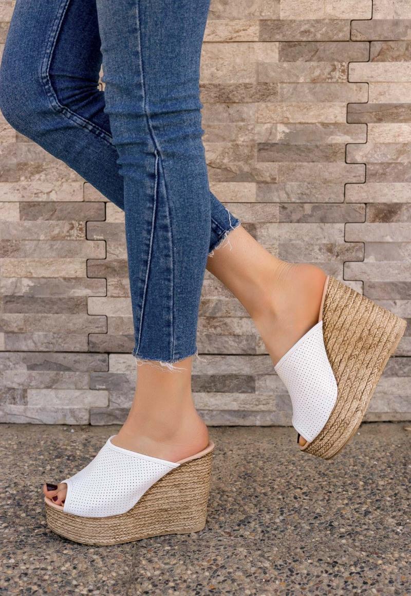 Pantofole del tallone della pelle bianca di Jannifer