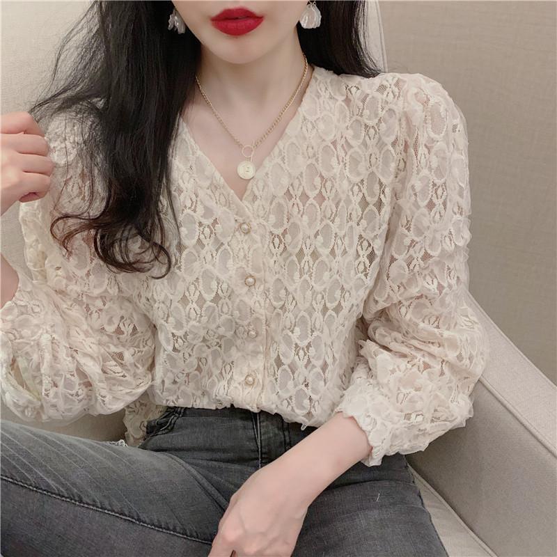 Mulheres Blusas Camisas 2021 Primavera Mulheres V-Neck Lanterna Lanterna Lace Blusa Oco Out Escritório Senhora Elegante Camisa Branca Coreana Garota Coreana Doce para