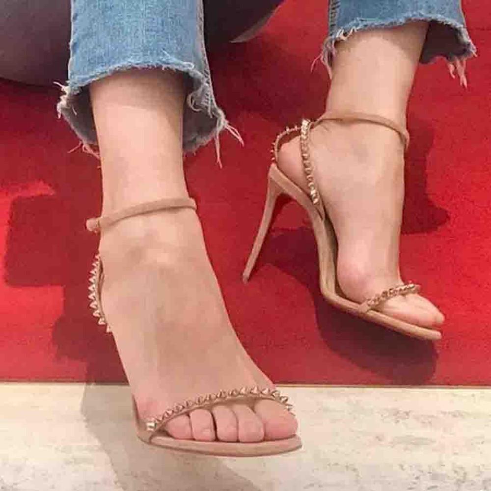 Wedding lady sandal vermelho fundo mulheres sapato mafaldina sandálias sandálias, sapatos baixo corte de pé mulher saltos de couro preto com cintas de tornozelo cravado verão