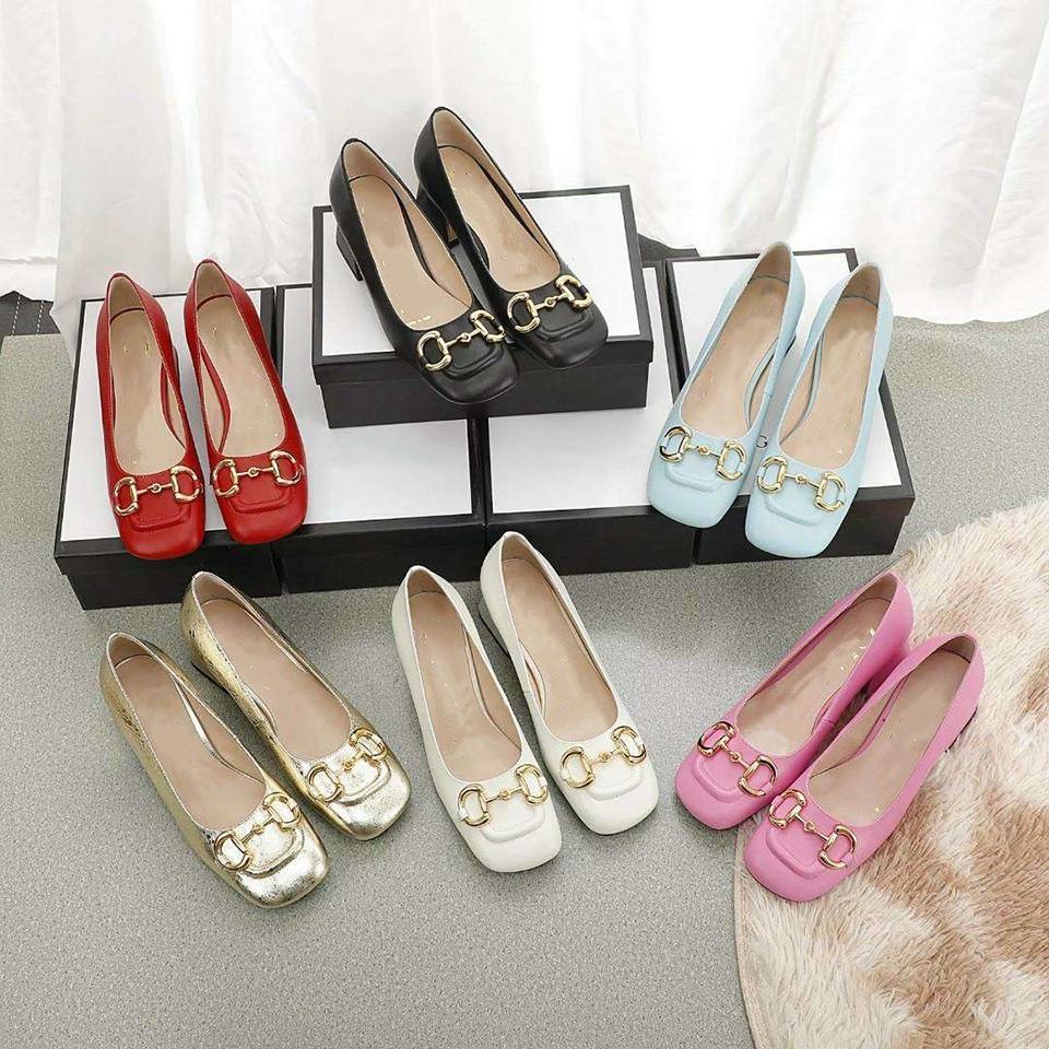 Zapatos de altas mujeres de tacones de altura 2021 Versátil Estilo Primavera y Otoño Cabeza original con tacón medio francés