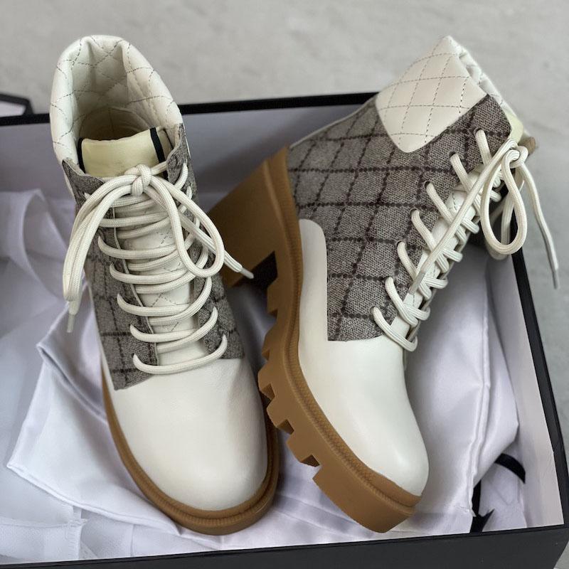 Botão de bota de tornozelo feminino Luxo Martin Desert Botas Bege e Ebony 100% Genuíno Couro Quilted Lace-Up Sapatos de Inverno Borracha sola com caixa