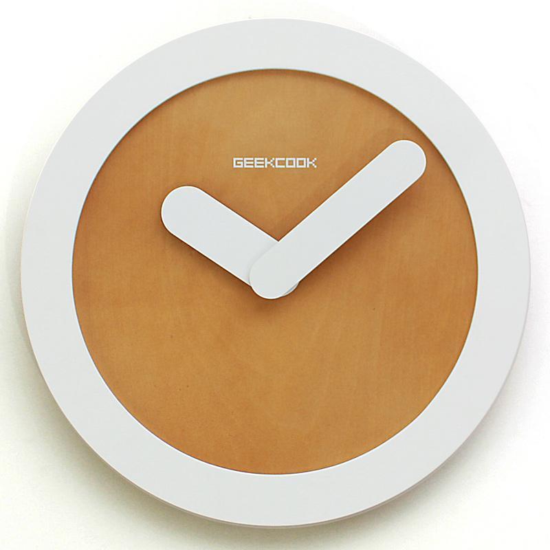 Sevimli Basit Moda Duvar Saati Sessiz Ahşap Dijital Modern Tasarım Ev Dekor Orologio Parete Oda Saatleri