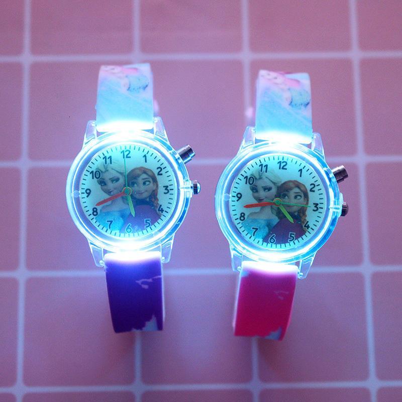 Les montres de filles de dessin animé pour une source de lumière colorée caoutchouc enfants montrant la fête poison pois pois pouls Relogio Feminino Relojnina